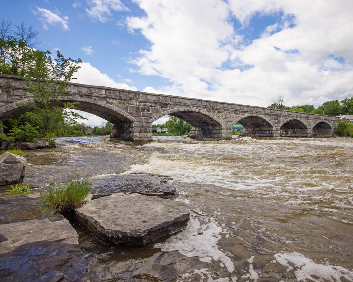 5 Span Bridge in Pakenham Ontario on the way to Bonnechere Caves with kids