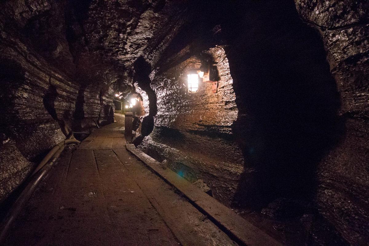 Bonnechere Caves with kids - lit pathways