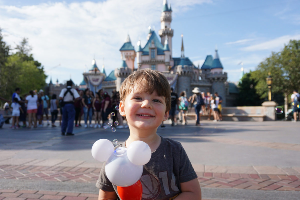 Is visiting Los Angeles complete without exploring Disneyland in Los Angeles California
