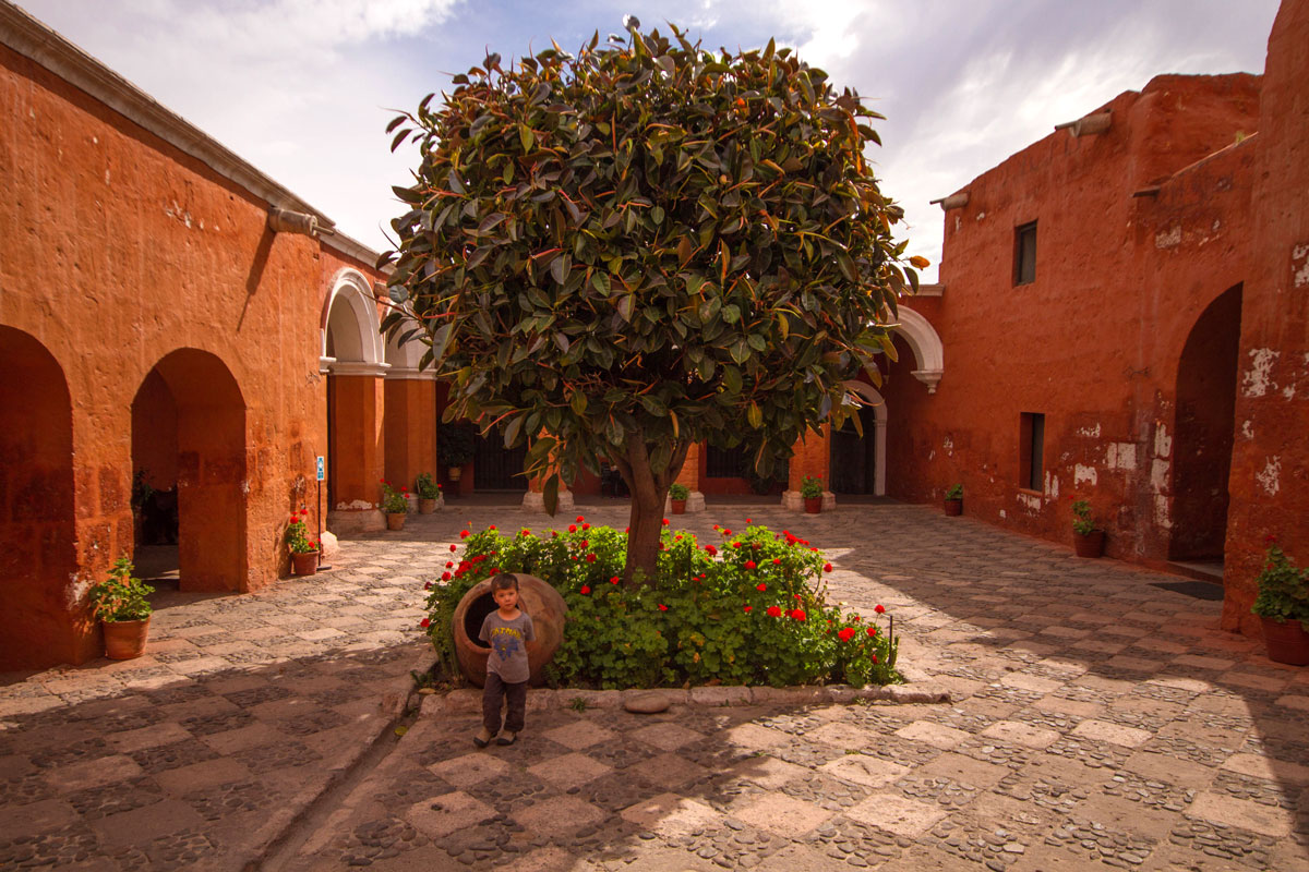 Monasterio d Santa Catalina in Arequipa Peru with kids on a 14 day Peru itinerary