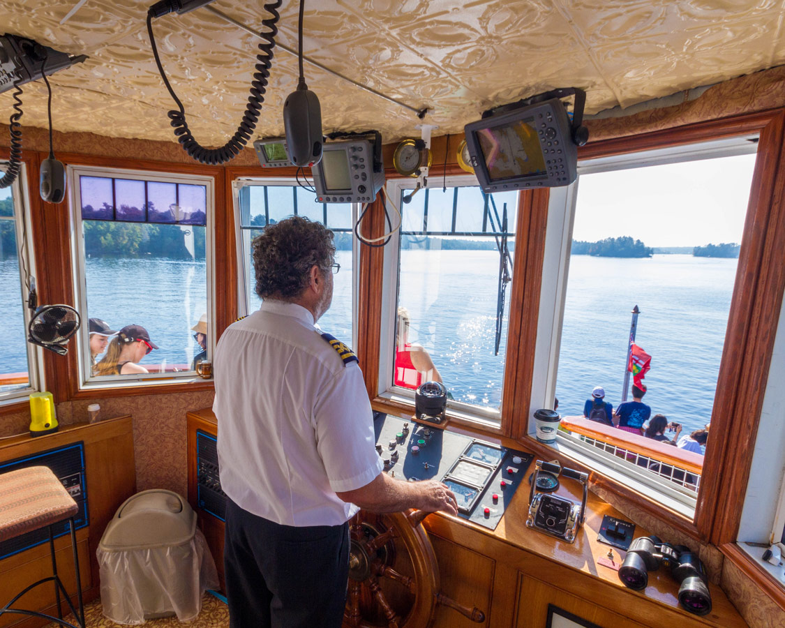 The Captain of the Wenona II on a segwun boat cruise bracebridge
