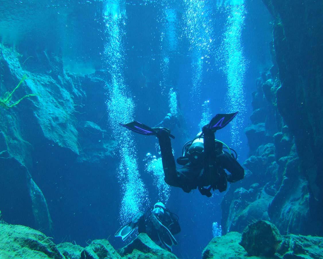 SCUBA Diving for famiiles Iceland Silfra Dive