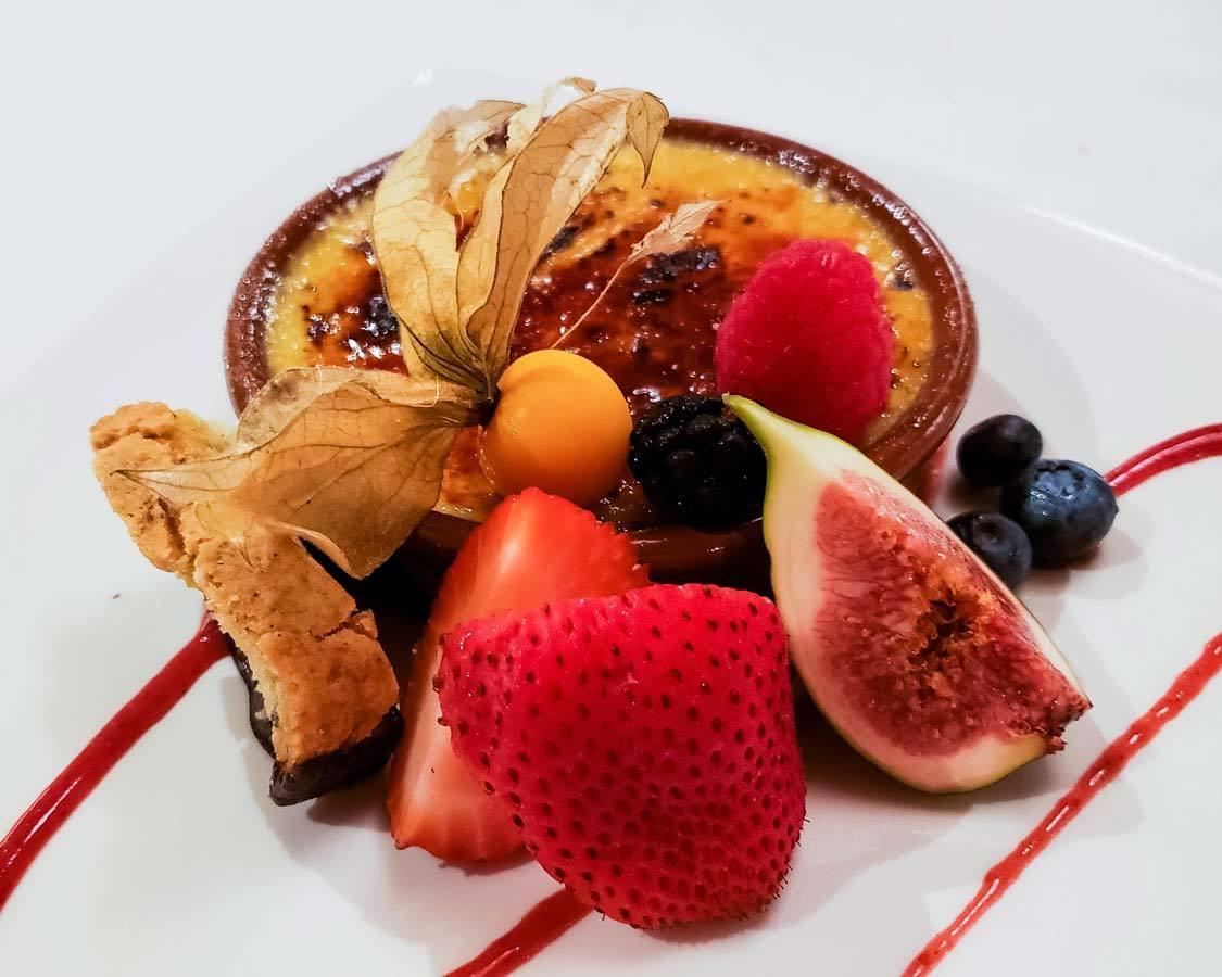 Dessert at La Traite Restaurant Wendake Hotel