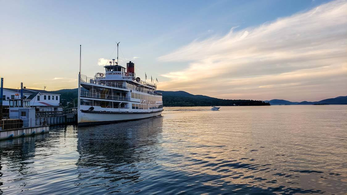 Things to do in Lake George NY Shoreline Cruise