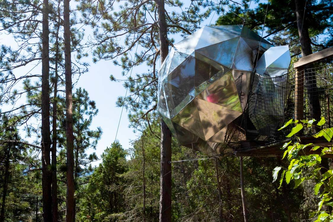 Cap Jaseux Suspended Spheres Saguenay